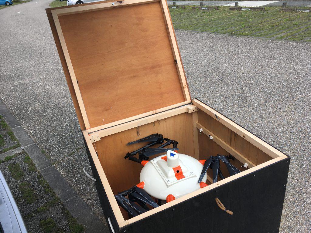 ドローン用の輸送箱